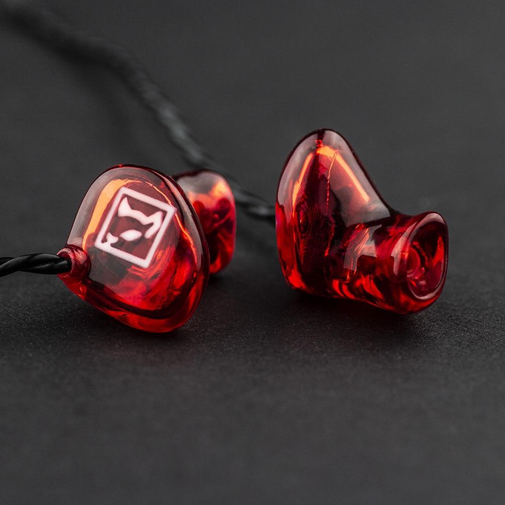 Individuell angefertigte In-Ear Kopfhörer von Gisbrecht Hörakustik in Heusweiler und Saarwellingen